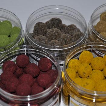 Dipované boilies - práškové (powder)